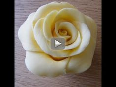 Heartsong Cakes and Crafts: Handmade Fondant Rose Fondant Rose, Fondant Cupcakes, Fondant Flowers, Cupcake Cakes, Car Cakes, Fondant Baby, Sugar Flowers, Cupcake Decorating Tips, Cake Decorating Techniques