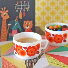 Lot 2 tasses Lotus rouge vintage - deco-graphic.com