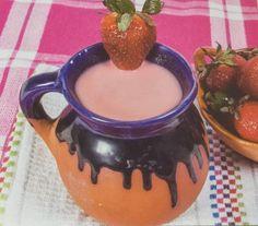 Atole de Fresa Tamales, Moscow Mule Mugs, Mason Jars, Drinks, Tableware, Food, Cooking Recipes, Deserts, Juicing