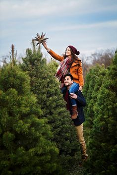 A couple weeks ago we booked our favorite photography duo, Melissa and Beth, to run around the Strawberry Hill Christmas Farm with us and capture some fun pics