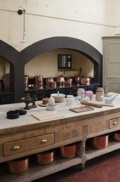 Artichoke designs period English luxury bespoke kitchens – Somerset, London, UK