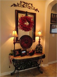 Foyer Table - Tuscan Style, the rod iron accents LOVE! Foyer Table – Tuscan Style, the rod iron accents Tuscan Decorating, Foyer Decorating, Decorating Ideas, Decorating Cakes, Interior Decorating, Style Cottage, Farmhouse Style, Tuscany Decor, Decoration Entree