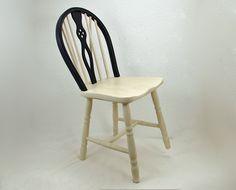 Stuhl Holzstuhl Küchenstuhl  schwarz weis gekalkt von Schlüter Kunst und Design - Stühle, Kommoden, Regale, Modeschmuck auf DaWanda.com