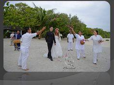 Photo Wedding & Honeymoon                      at          LUX* Maldives  ウェディングフォトプラン 日本人スタッフが対応いたしますのでお気軽にお問い合わせ下さい。 http://www.bridalmaldives.com/ http://www.bridalmaldives.com/#!jp-home/c1qkd
