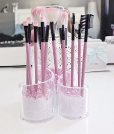 Cute Makeup Brush Storage