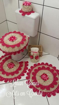 imagenes fantasia y color ideas Crochet Bedspread, Crochet Doilies, Crochet Stars, Free Crochet, Imagenes Fantasia Y Color, Crochet Home Decor, Crochet Videos, Bathroom Sets, Bathrooms