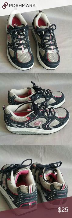 Skechers Shape-ups Shoes 9 M Lace-ups Item is in a good condition, NO PETS AND SMOKE FREE HOME. Skechers Shoes