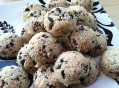 Raw coconut macaroons with cacao nibs