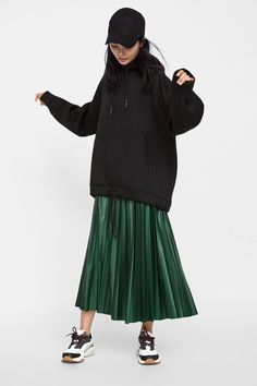 Fashion Ideas Illustration PU Fashiondress(Green-s) Green Skirt Outfits, Pleated Skirt Outfit, Pleated Skirts, Jean Skirts, Denim Skirts, Long Skirt Fashion, Modest Fashion, Fashion Dresses, Apostolic Fashion