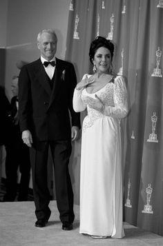 PAUL NEWMAN and ELIZABETH TAYLOR, 1992 Oscar
