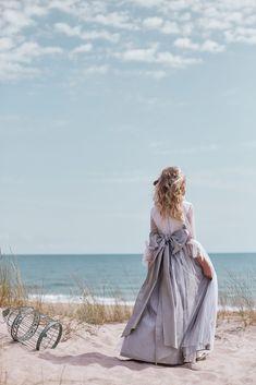 Hortensia Maeso I Moda de comunión I Colección 2019 Girls Dresses, Flower Girl Dresses, Communion Dresses, Teen, Wedding Dresses, Children, Small Things, Fashion, Silhouettes