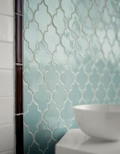 what a vintage shaped tile, but such a nice look.
