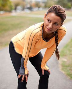 Lululemon long sleeve running shirt. White size M please ;)