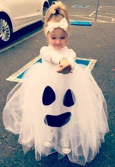 Costume Halloween fai da te: per ragazza, bambini e.- Costume Halloween fai da te: per ragazza, bambini e…… - Ghost Halloween Costume, Theme Halloween, First Halloween, Family Halloween Costumes, Diy Costumes, Halloween Kids, Costume Ideas, Ghost Costume For Kids, Ghost Costumes