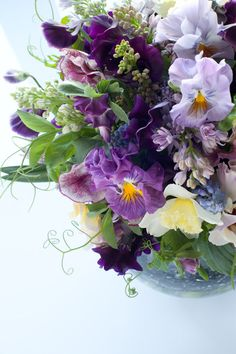 Spring bouquet, pansies, sweet peas, by blog du I'llony