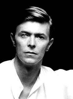 vezzipuss.tumblr.com — David Bowie, Circa 80 〰️〰️