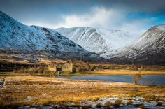 Kilchurn Castle - I've been here!! And it actually does look like that!! :D