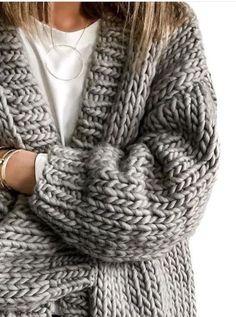 Pinterest: jjordynbush✨ Cozy Sweaters, Winter Sweaters, Cozy Fashion, Fashion Wear, Winter Fashion, Fashion Outfits, Woman Fashion, Fashion Clothes, Gemütliche Pullover