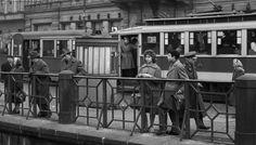 Na nábřeží (1505) • Praha, březen 1962 •   černobílá fotografie, u Národního divadla, tram, zábradlí  • black and white photograph, Prague 