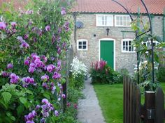 Marmaduke Cottage in the Yorkshire Wolds - Marmaduke Cottage, Retreat in the Yorkshire Wolds, Sleeps 3, Open Fire, WiFi https://www.independentcottages.co.uk/yorkshire/marmaduke-cottage-ref3123