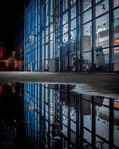 #reflectember pt. XIV Unna Zentrum für internationale Lichtkunst. . . #nacht #night #architektur #architecture #reflektion #reflection #spiegelung #kleinstadt #smalltown #ruhrarea #ruhrdistrict #ruhrgebiet #unna #igersunna #igersdeutschland #igersgermany #smalltownsnapshots #kunstgucken #lookingatart