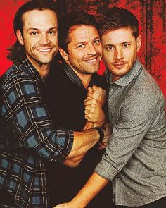 Good morning/goodnight/have a nice day/sleep tight depending on wherever you are! I hope you had an awesome Christmas and a nice time! #mishacollins @misha #JaredTristanPadalecki @JaredPadalecki #JaredPadalecki #JensenRossAckles #JensenAckles @JensenAckles