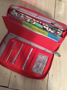 All about the Benjamin wallet from Thirty-one. Used card stock to make dividers for Dave Ramsey envelope cash system.