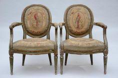 Paire de fauteuils Louis XVI avec tapisserie 'perroquets' (45x60x89cm) - , mis…