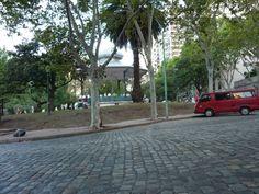 La Glorieta y la calle adoquinada de Barrancas de Belgrano