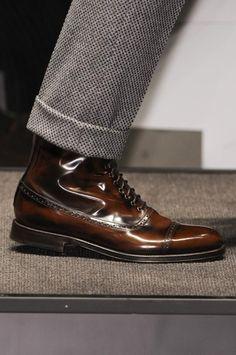 Pictoturo - gentlemansessentials:   Bespoke   Gentleman's...