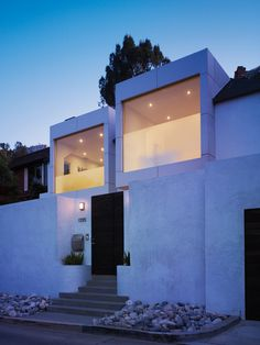 EXTERIOR // Hollywood Hills Residence | Griffin Enright Architects | Archinect