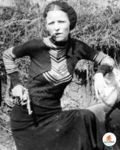 Bonnie Parker-The ultimate bad-girl bandit became infamous for being part of the 1930s outlaw duo Bonnie and Clyde.