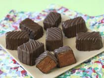 Mint Meltaways Recipe. Doesn't look too hard, and they sound delicious!