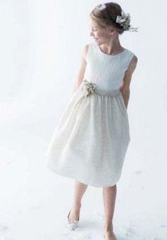 -013 Première Communion, Girls Dresses, Flower Girl Dresses, Moda Fashion, Wedding Dresses, First Communion Dresses, Baby Clothes Girl, Girls, Sun