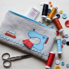 Trendy Ideas For Sewing Kit Bag Fabrics Embroidery Bags, Free Motion Embroidery, Free Motion Quilting, Love Sewing, Sewing For Kids, Sewing Kit, Pattern Sewing, Hand Sewing, Sewing Crafts