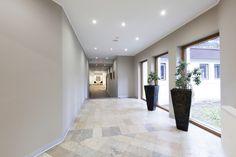 Contemporary hallway #inspiration #modern #interiordesign