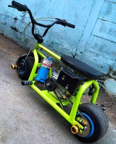 NOS on a mini-bike? Custom Mini Bike, Custom Bikes, Mini Motorbike, Homemade Go Kart, Go Kart Plans, Diy Go Kart, Motorised Bike, Drift Trike, Pit Bike