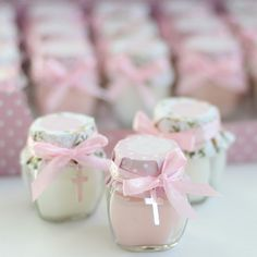 Memories for First Communion On this occasion I want to share some very nice ideas of memories to give to your guests at a first communion party, check Baptism Favors, Baptism Party, Baptism Gifts, First Communion Party, First Holy Communion, Baby Girl Baptism, Ideas Para Fiestas, Childrens Party, Christening