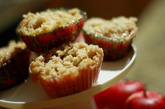 Notes She Wrote: Mini apple pies *mmmmm* Mini Apple Pies, Mini Pies, No Bake Desserts, Dessert Recipes, Thanksgiving Platter, Apple Pie Recipes, Holiday Baking, Healthy Baking, Cupcake Cakes