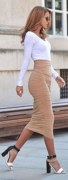 LoLoBu - Women look, Fashion and Style Ideas and Inspiration, Dress and Skirt Look Fashion Mode, Look Fashion, Autumn Fashion, Womens Fashion, Fashion Trends, Fashion Styles, Street Style Fashion, Sexy Fall Fashion, Fashion 2016
