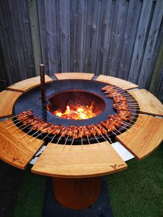 Cozy Backyard, Fire Pit Backyard, Backyard For Kids, Backyard Landscaping, Outdoor Garden Bar, Outdoor Decor, Bbq Grill Diy, Camping Fire Pit, Hanging Fireplace
