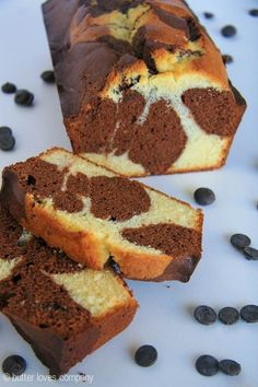 Easy chocolate marble loaf cake inspired by the one at Starbucks!