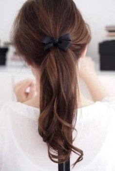 Long layered hair ponytail with bow straight soft long blond hair Hair + makeup Ponytail Hairstyles, Pretty Hairstyles, Simple Hairstyles, Easy Hairstyle, Ladies Hairstyles, Perfect Ponytail, Bow Ponytail, Loose Ponytail, Pinterest Hair