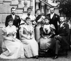 Group photograph taken during the wedding celebrations of Ernest Louis, Grand Duke of Hesse and Princess Victoria Melita of Saxe-Coburg and Gotha, 1894 Princess Alice Of Battenberg, Neues Palais, Grand Duc, Alexandra Feodorovna, Vintage Wedding Photography, Tsar Nicholas Ii, Ludwig, Imperial Russia, Imperial Life
