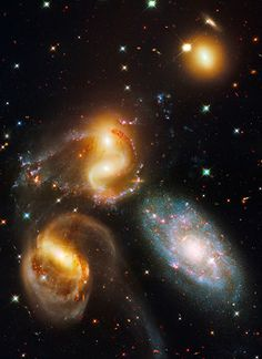 Galactic wreckage in Stephan's Quintet: Hickson Compact Group 92, Stephan's Quintet NASA, ESA and the Hubble SM4 ERO Team