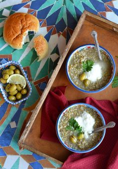Freekeh Soup - a delicious, healthy and hearty Middle Eastern soup! Okra Stew, Arabian Food, Barley Soup, Vegetable Stew, Eastern Cuisine, Lebanese Recipes, Food Club, Mediterranean Dishes, Homemade Soup