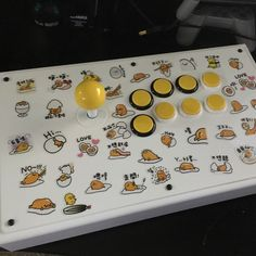 Now that's something you don't see everyday. I'm really liking the button rim color scheme and the white shaft/dust cover. Thanks for sharing Ivan. Arcade Joystick, Tekken 7, Fighting Games, Street Fighter, Pinball, Arcade Games, Videos, Color Schemes, Bing Bong