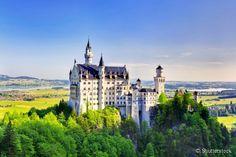 """O castelo de Neuschwanstein serviu de inspiração para criar o palácio do filme de animação """"A Bela Adormecida"""", da Disney"""