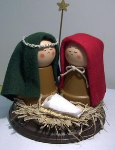 New Free Clay Crafts ideas Suggestions Kleine Krippe aus Ton Wooden Christmas Crafts, Holiday Crafts For Kids, Christmas Nativity, Xmas Crafts, Christmas Projects, Christmas Holidays, Christmas Decorations, Christmas Ornaments, Handmade Christmas