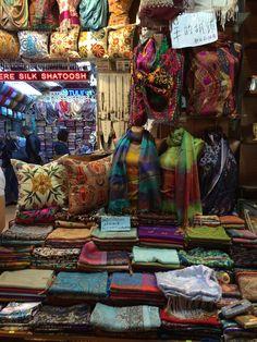 Mercado das Especiarias, Istambul, Turquia © Viaje Comigo Istanbul Turkey, Painting, Travel Plan, Spices, Egypt, Viajes, Frames, Traveling, Pictures